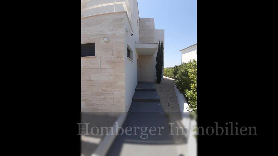 Moderna kamena luksuzna Villa 30m od plaže