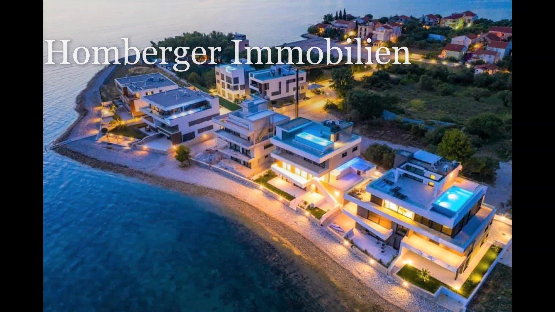 Luxuriöse Wohnung in exklusiver Lage, erste Reihe zum Meer und zum Strand