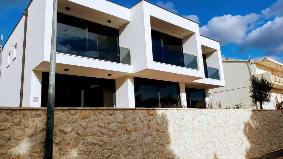 Casa, 100 m2, Vendita, Tribunj