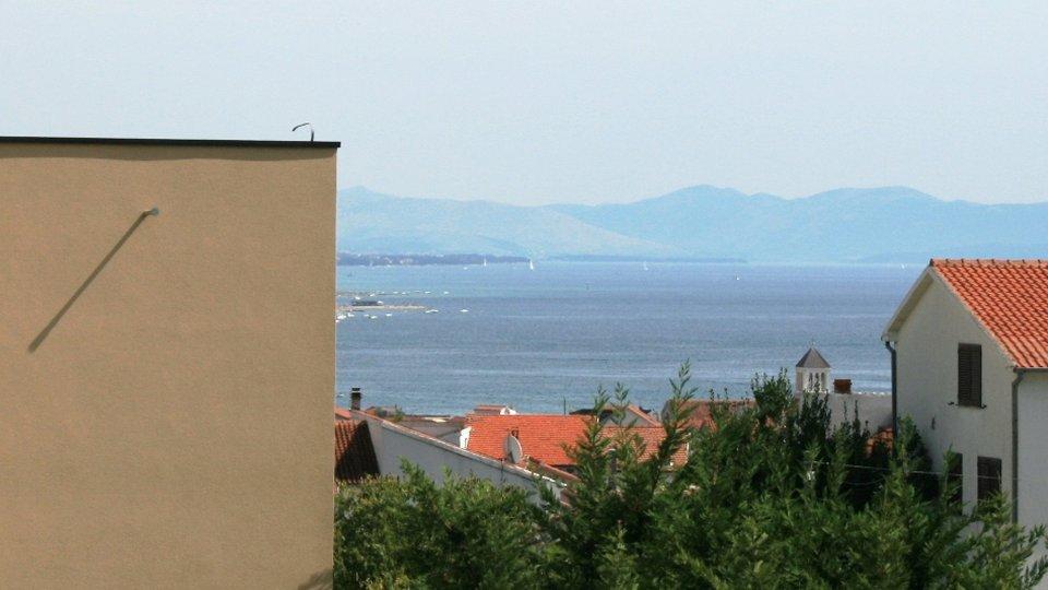 Baugrundstuck auf Hügel mit Blick auf Meer