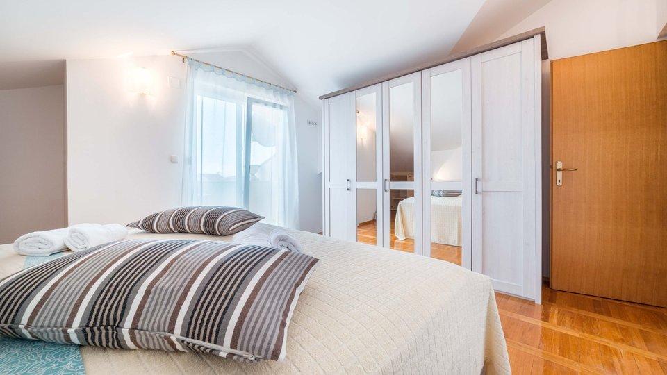 2 Etage -Wohnung, von 156m2 Wuhnflecke