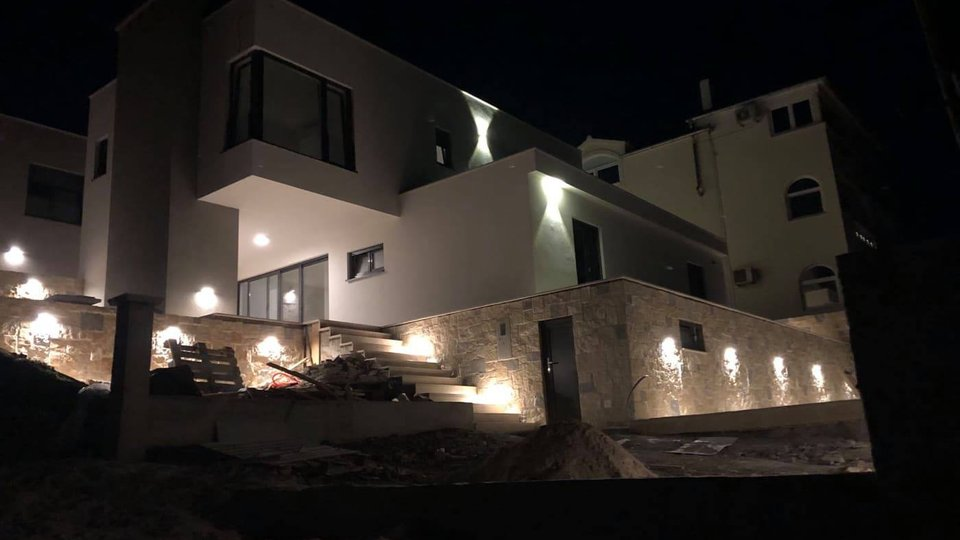 NEW FAMILY VILLA JUST 70 M FROM THE SEA