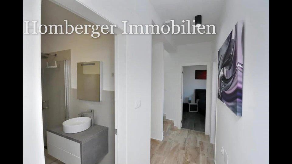Haus mit 3 Schlafzimmern und Pool in Strandnähe (190 Meter)